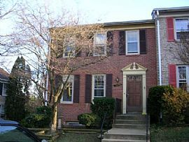 Beautiful 3 Bedroom End Unit Townhouse - Totally Updated