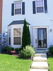 3 Bedroom Townhome Near Fort Meade
