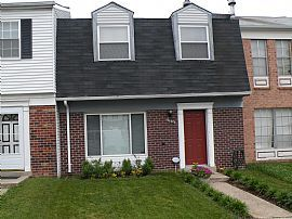 Well Maintained 3 Bedroom Home with Wood Floors - Near Metro