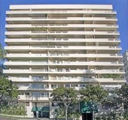 Your New 1 Bedroom Condo Home on 838 North Doheny Drive