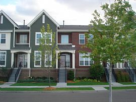 Maple Grove Townhome For Rent in Highly Demanded Arbor Lakes