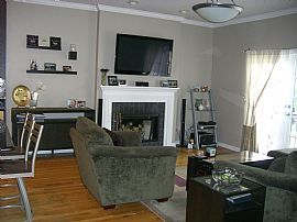 Large 2 Bedroom Condo in River West with Garage Parking!